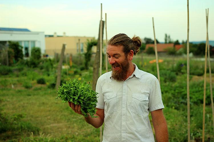 Florian Mörzinger von Naturverbundene Gärten